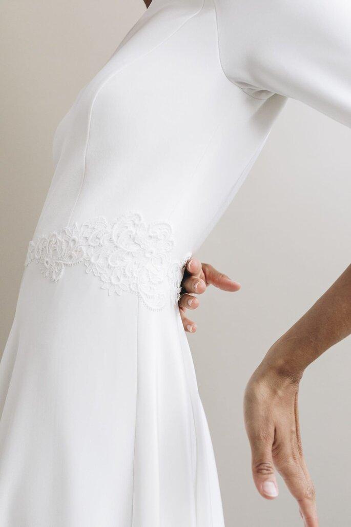Robe de mariée près du corps.