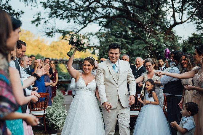 Casamento ao ar livre de Flávia   Ricardo  repleto de natureza ... cad187964f