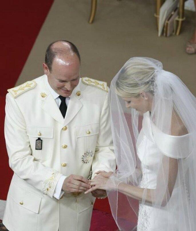 Intercambio de anillos entre Alberto y Charlene - Hola