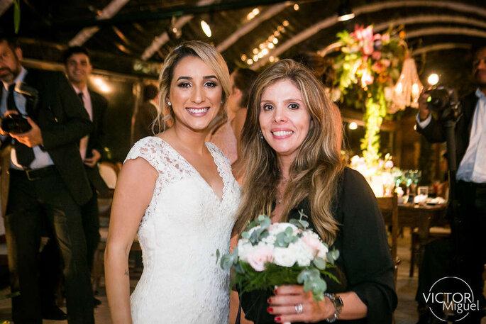 Nicole Ofeiche com a noiva.