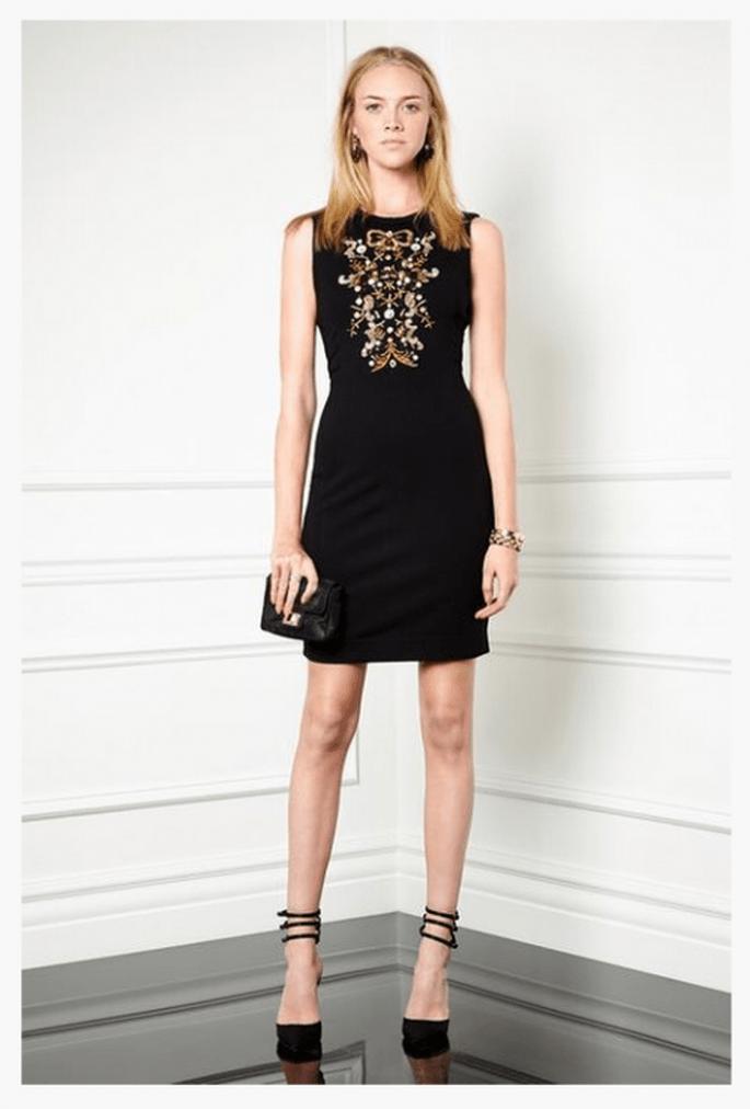Vestido de fiesta 2014 en color negro con aplicaciones e incrustaciones en el pecho - Foto Monique Lhuillier