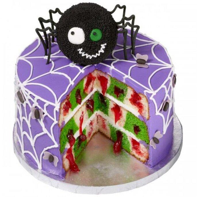 Un pastel con tema de Halloween, perfecto para tu despedida de soltera en otoño. Foto de Wilton
