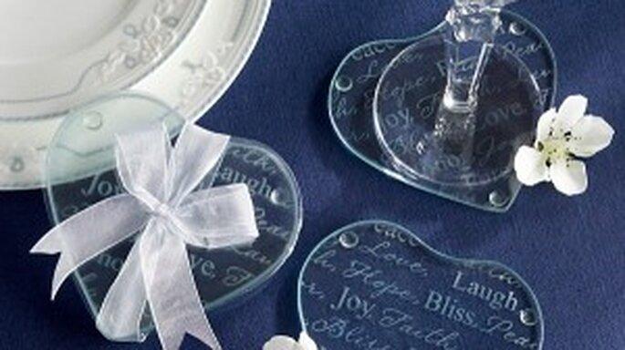 dessous de verre personnaliser comme souvenir de mariage pour les invit s. Black Bedroom Furniture Sets. Home Design Ideas