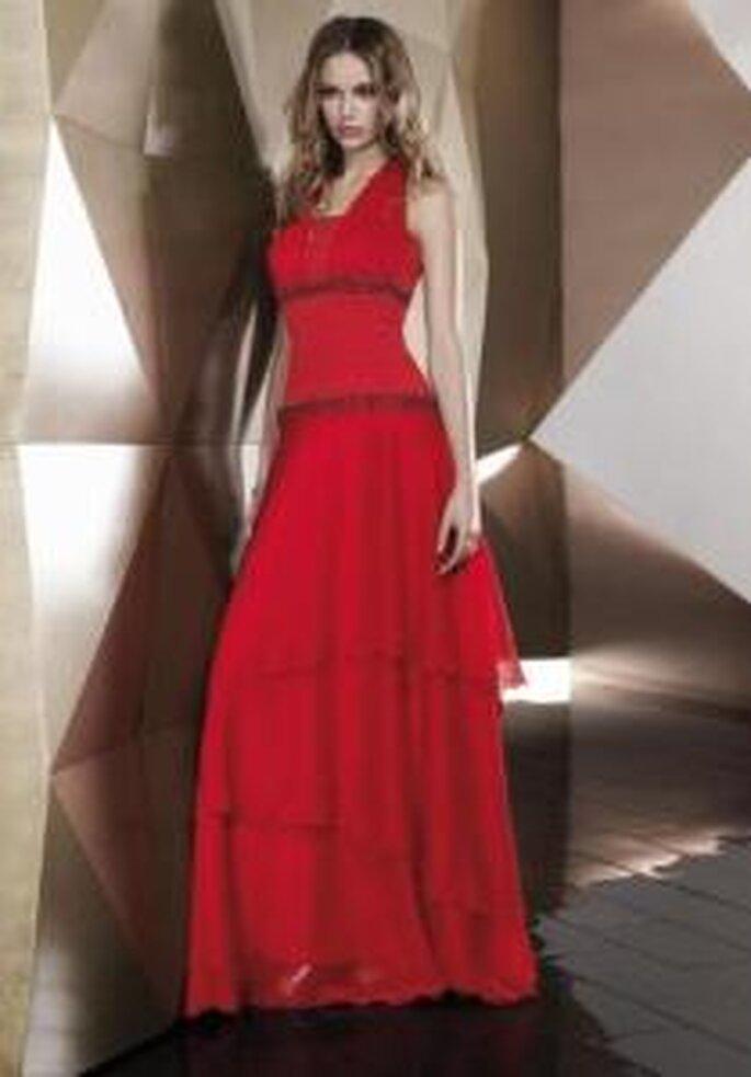 Pepe Botella 2009 - Vestido largo rojo de cuerpo ajustado, escote halter, falda en tul