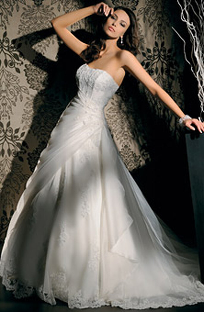 Strapless organza dress by Demetrios