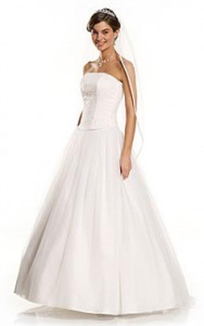 Pure White von Lilly 2010 - Langes Kleid, schlicht fallend