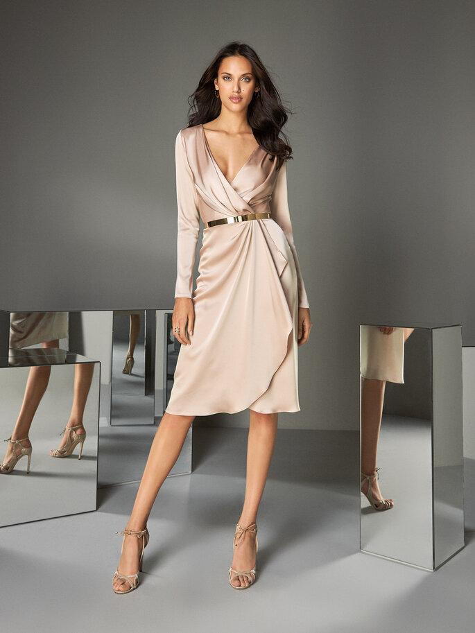 vestido corto nude