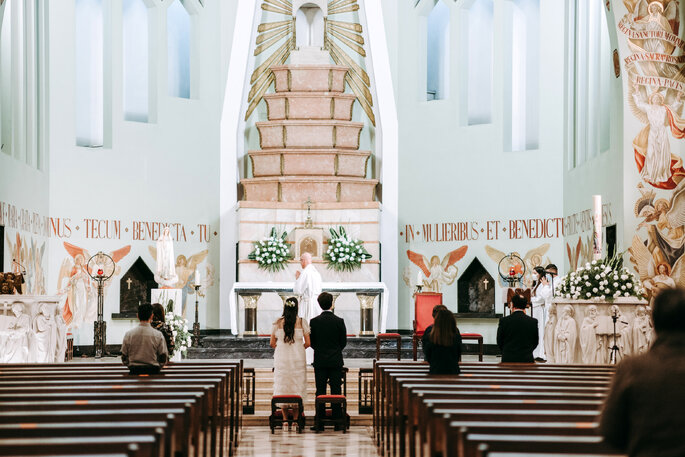 casamento, altar, noivos, covid-19, igreja