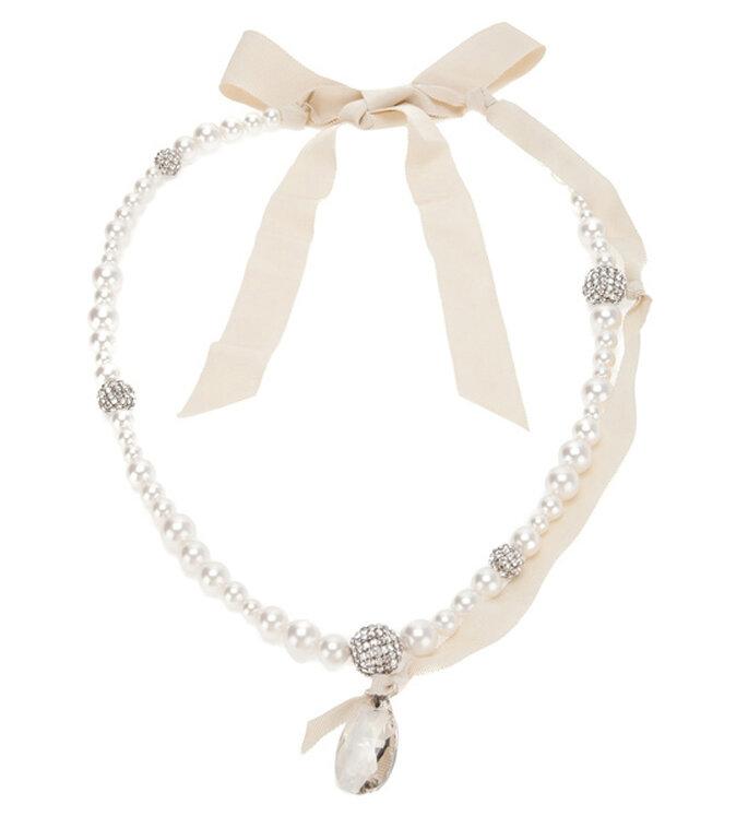 Collar para novia de Lanvin con perlas y lazo nude