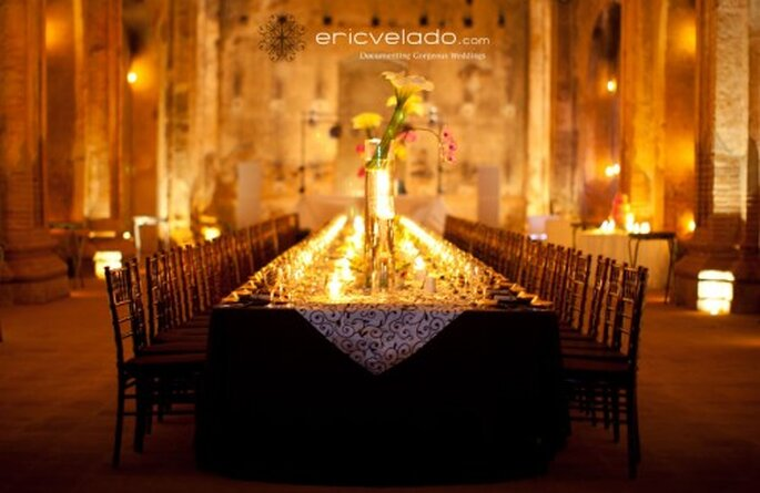 Manteles negros para mesas de boda. Imagen Eric Velado