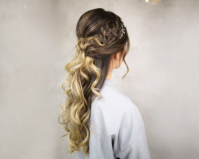 MOI Salon Peinado y maquillaje de novias Cali