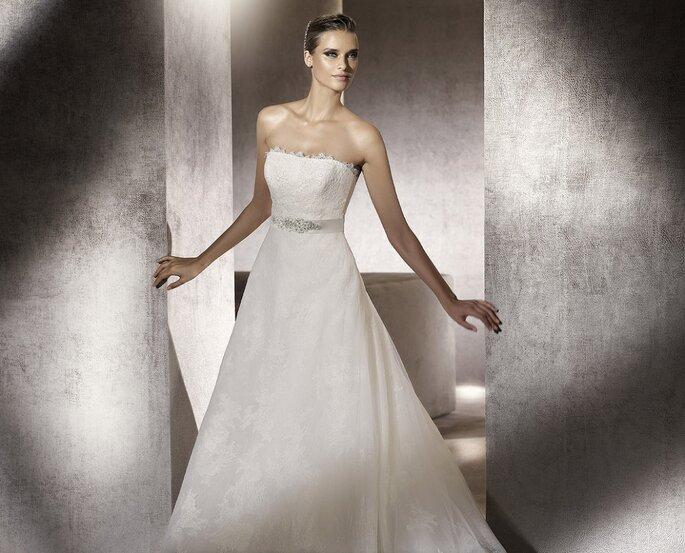 Vestido de novia de línea A, para parecer más delgada en la boda. Foto: Pronovias