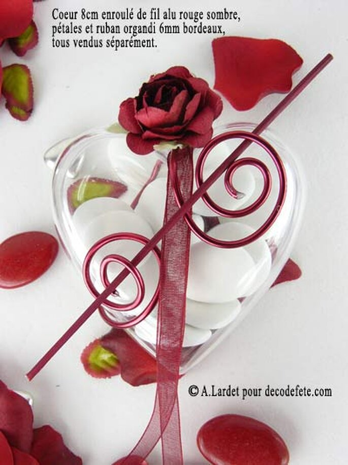 Relief et couleur sur vos contenants à dragée grâce au fil alu - Photo : decodefete.com