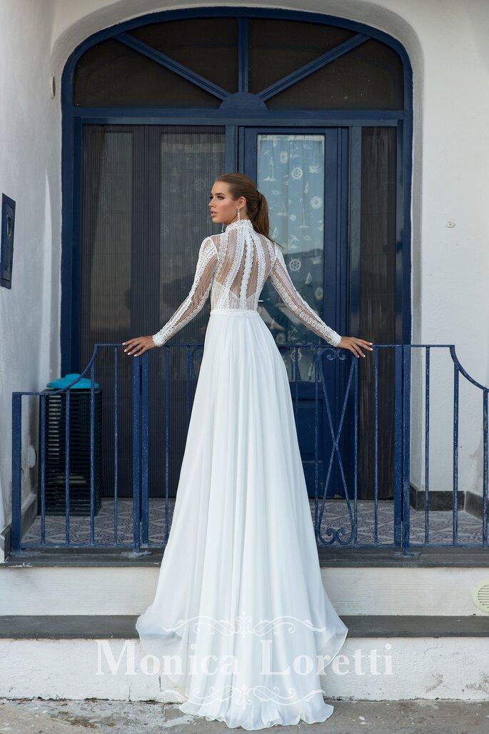 Robe de mariée avec un dos ajouré pour un mariage civil