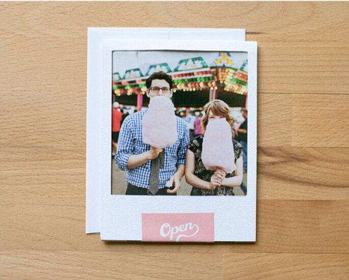 Invitaciones de boda con la foto de la pareja: un detalle muy personal.