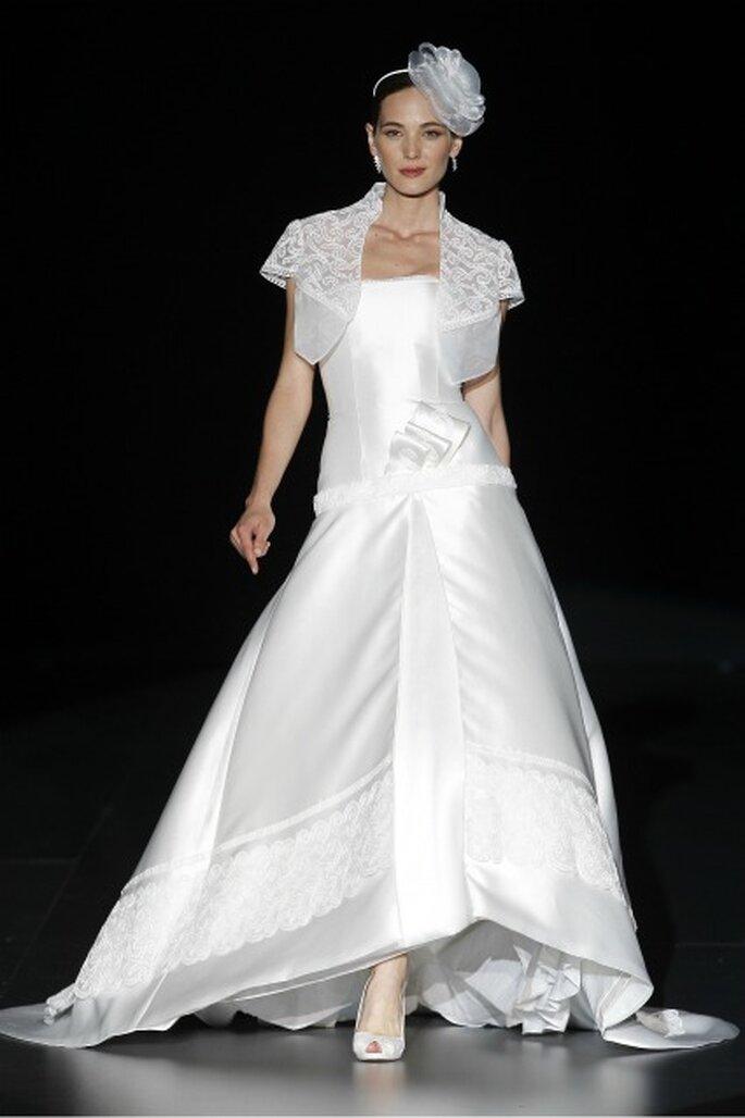 Bordado también se encuentra en la nueva Colección de la boda 2012 por Charo Peres. Foto: Ugo Cámara / IFEMA