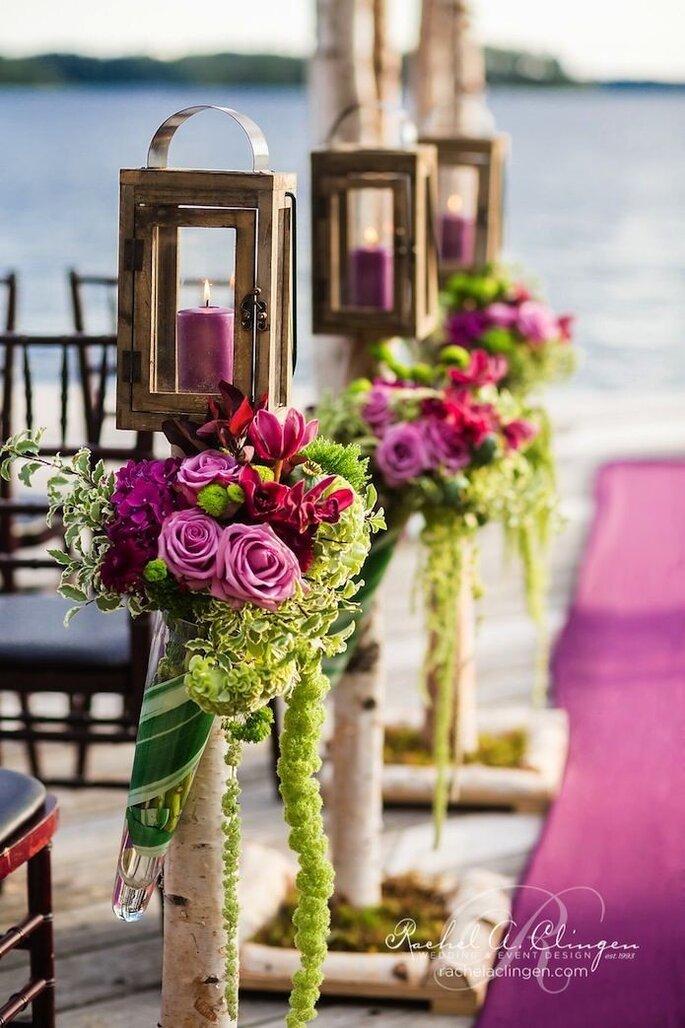 Hochzeitsdekoration in der Farbe Lila