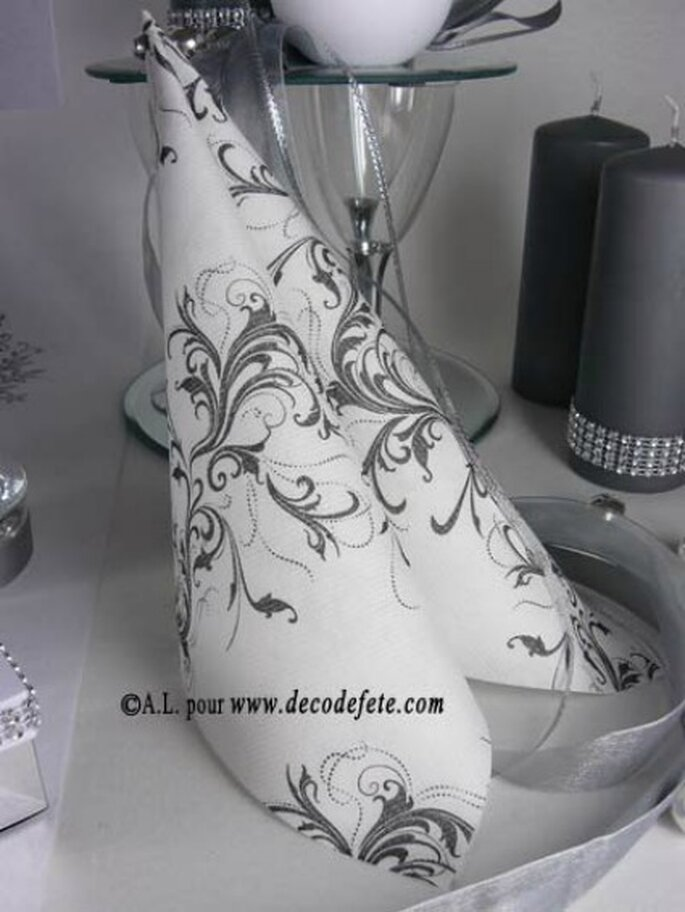 Les tables de votre mariage seront sobres et élégantes - Photo : Decodefete.com