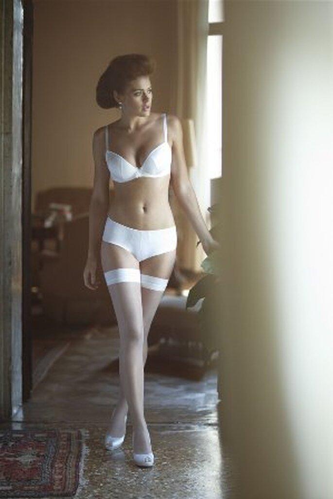 Bra-fitting para Noivas -  modelo Tiffany Plunge Short Ivory