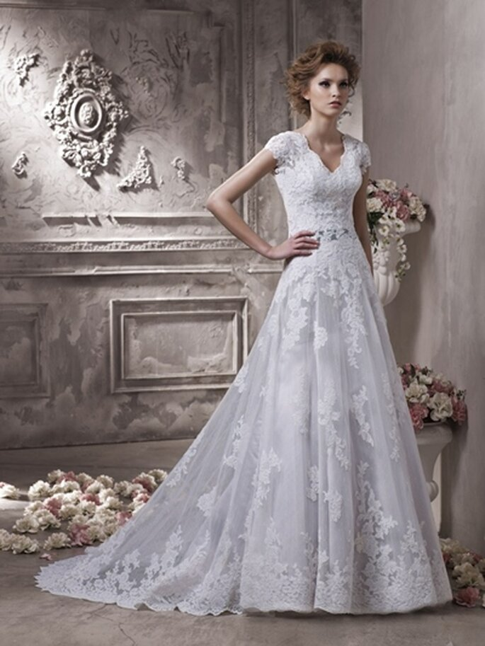 Prinzessinnen Hochzeitskleid von Benjamin Roberts - Modell 2302 - Foto:www.benjaminroberts.co.uk