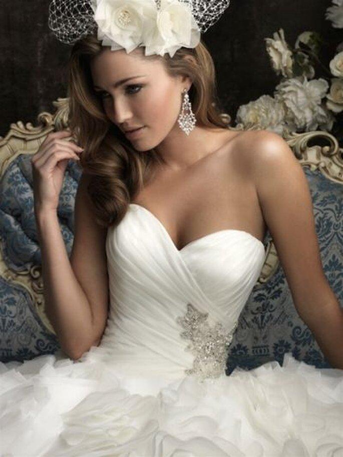 Brautkleid aus der neuen Brautkleid-Kollektion von Allure Bridals 2013