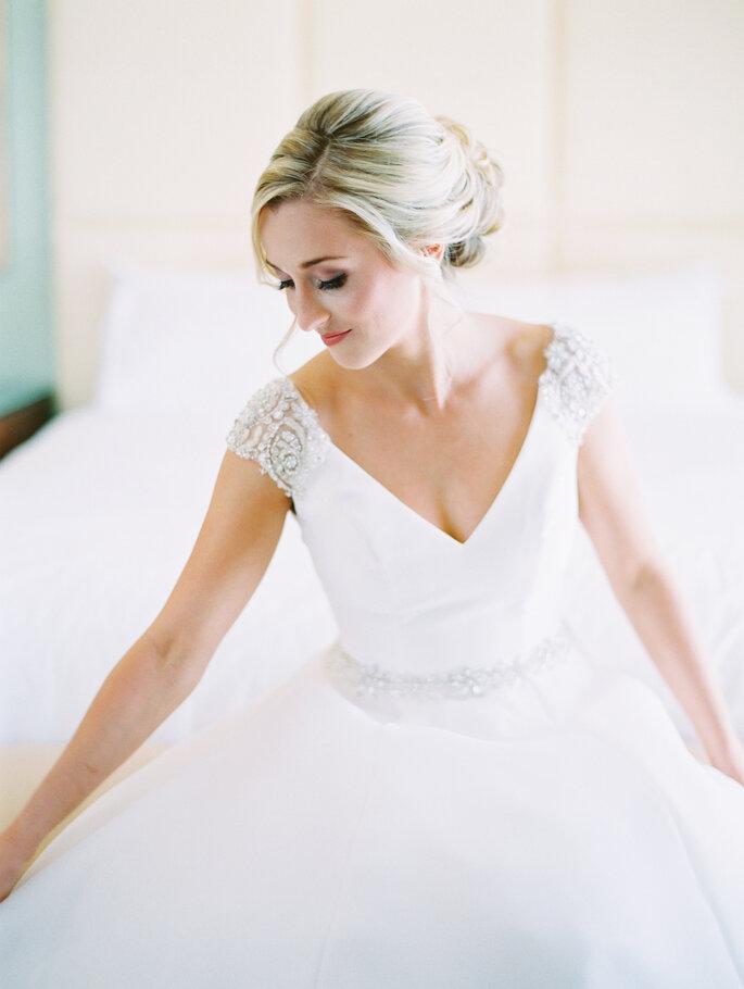 Sposa bionda  ecco la palette di colori perfetta per il tuo bridal look! 199ba9184376