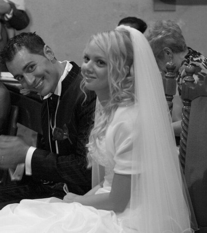 Valeria e Alessandro sorridenti nel giorno delle loro nozze,il 3 settembre 2011. Foto di Renato Donghi