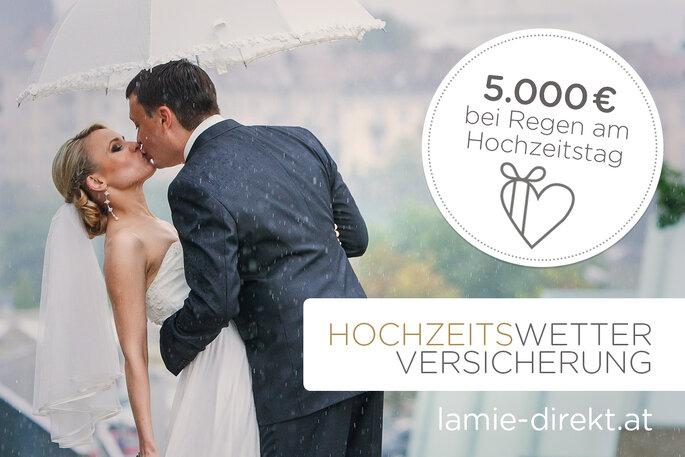 Hochzeitsversicherung sich küssendes Paar