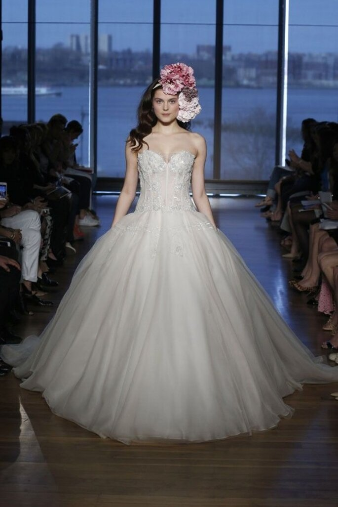 Vestidos de novia 2015 con corpiños estructurados - Ines Di Santo
