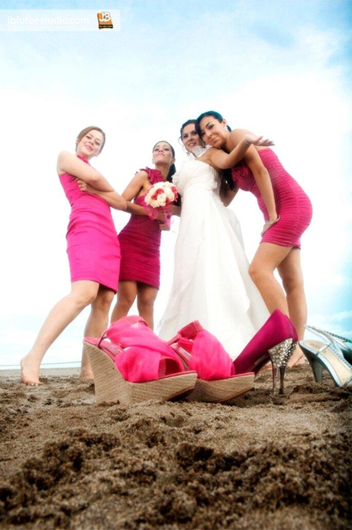 Divertida sesión de fotos con tus damas - Foto JB Foto Estudio