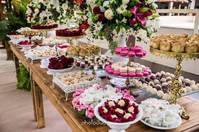 Serviços de buffet, bolo e doces constam nos pacotes básicos