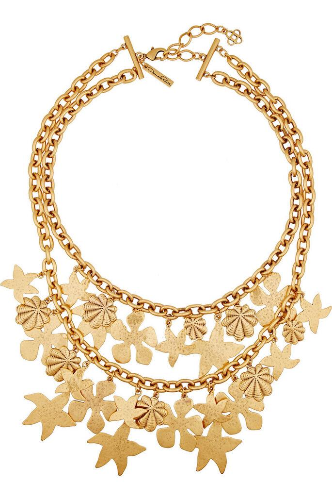 Accesorios en color dorado para una invitada muy fashionista - Oscar de la Renta en Net a Porter