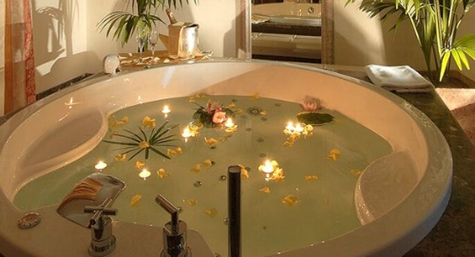 Vasca idromassaggio della suite. Foto: grandhotelbristol.it