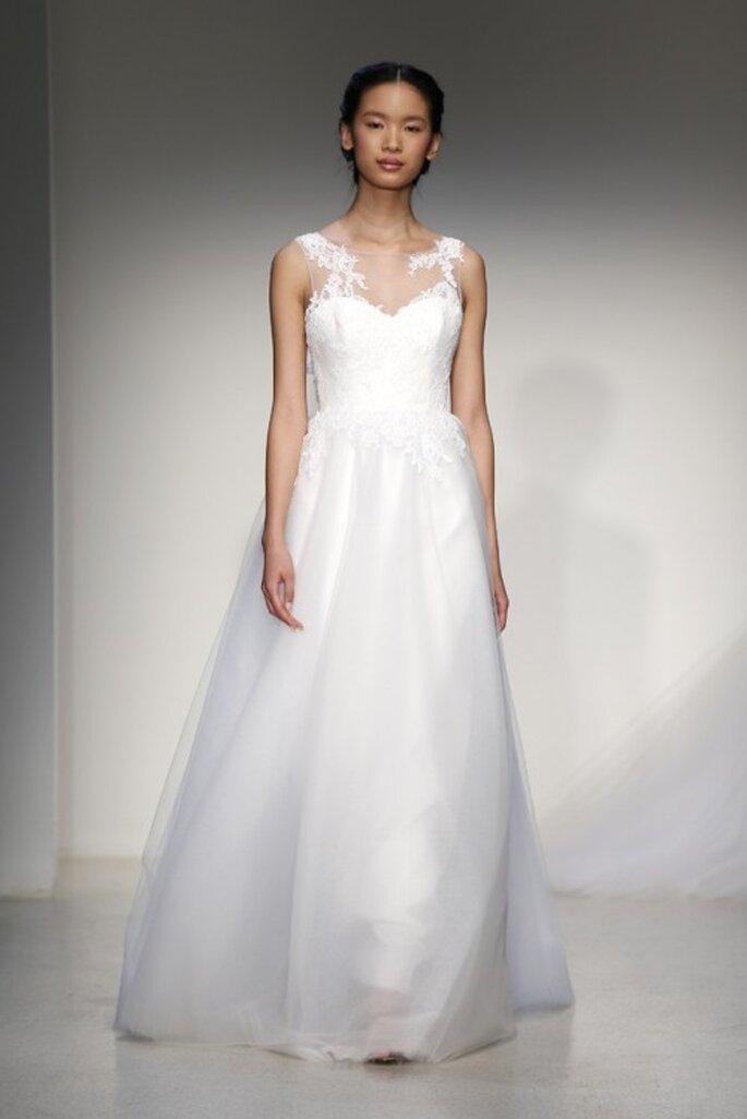 Vestido de novias clásico sin mangas y con silueta holgada - Foto Christos