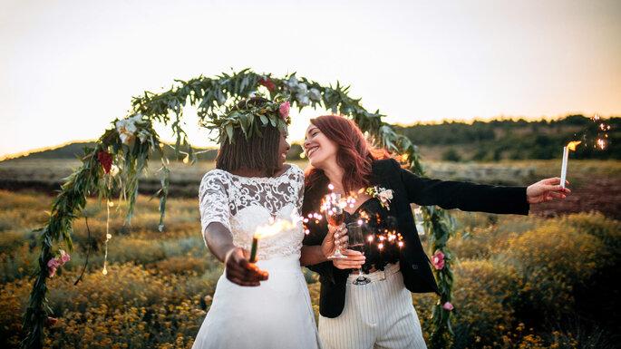 Organisation d'une cérémonie laïque en extérieur - mariage lesbien
