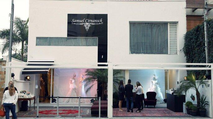 Fachada do novo atelier de Samuel Cirnansck, com uma nova linha de vestidos de noiva Foto - Samuel Cirnansck Facebook