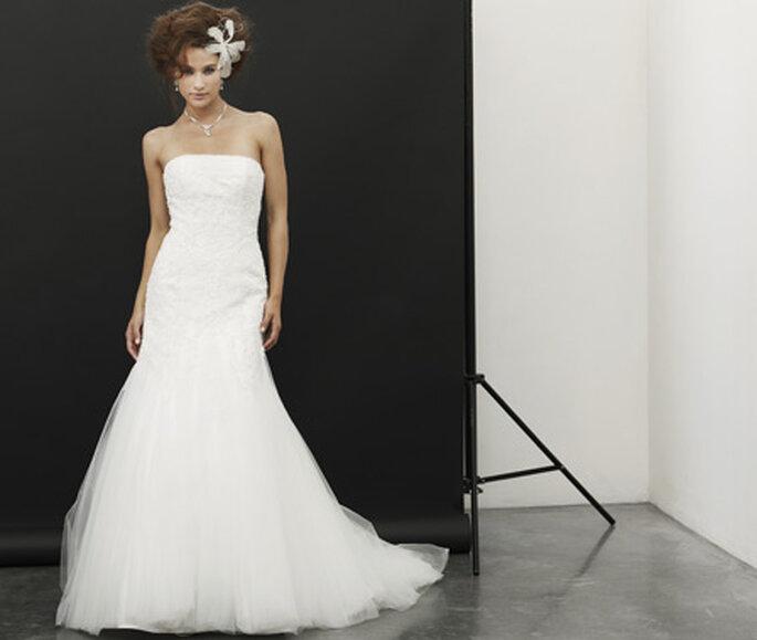 Das Haar, die Location, das Kleid - perfekt für den Sissi-inspired Wedding Look! Hier: Lilly Brautkleider