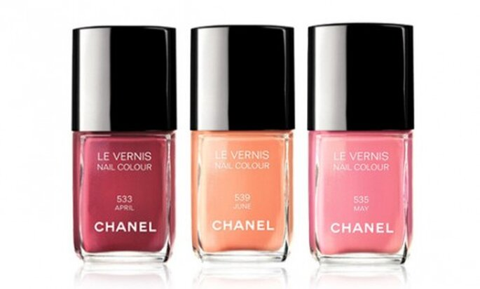 Esmaltes de uñas en colores pastel. Foto Chanel SS 2012