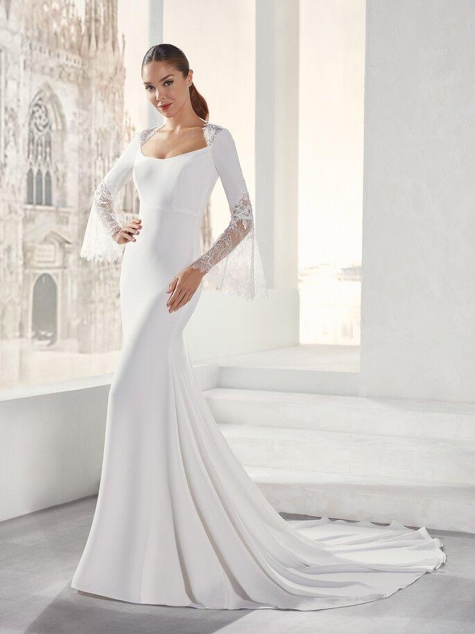 Vestido de novia con corte de sirena con escote redondo con mangas largas de encaje
