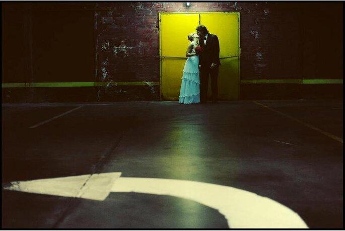 Las fotos en sitios inusuales antes y después de la boda son una de las últimas tendencias. Foto: Adrian Stehlik