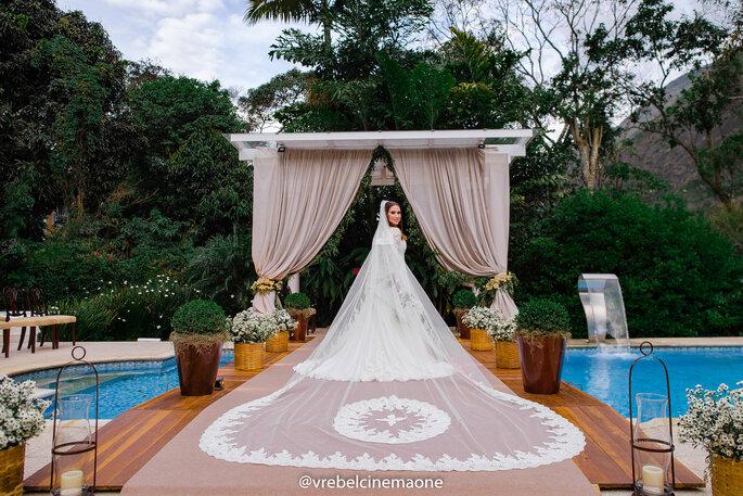 Véu de noiva rendado