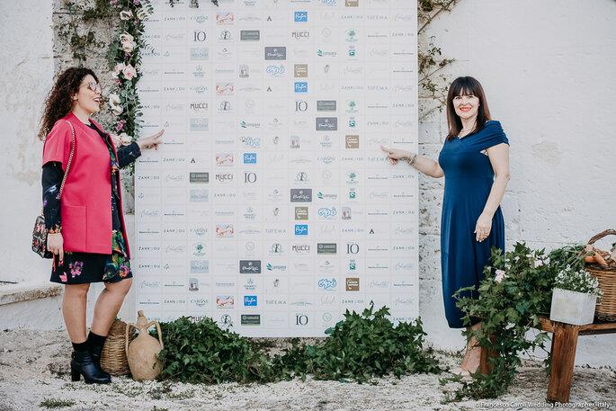 Un angolo speciale, con tutti i loghi dei fornitori - Foto: Francesco Caroli Wedding Photographer