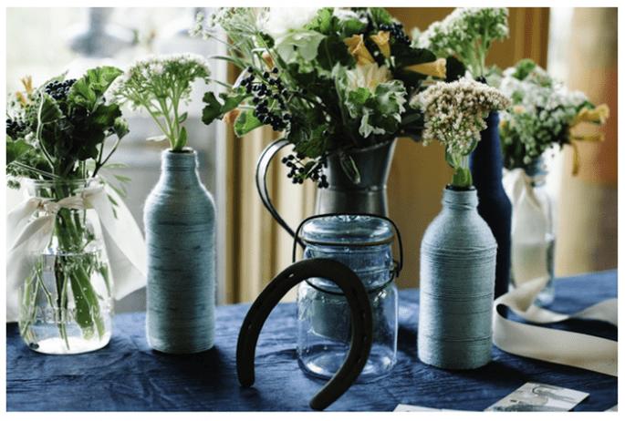 Decoración de boda con tarros de cristal - Foto Michele Hart Photography