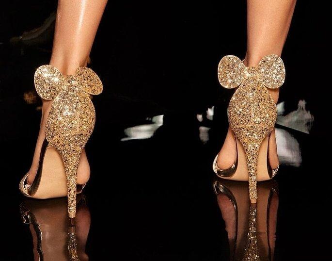 sitio autorizado reloj bien fuera x Tacones de Minnie Mouse: la última tendencia en zapatos de novia