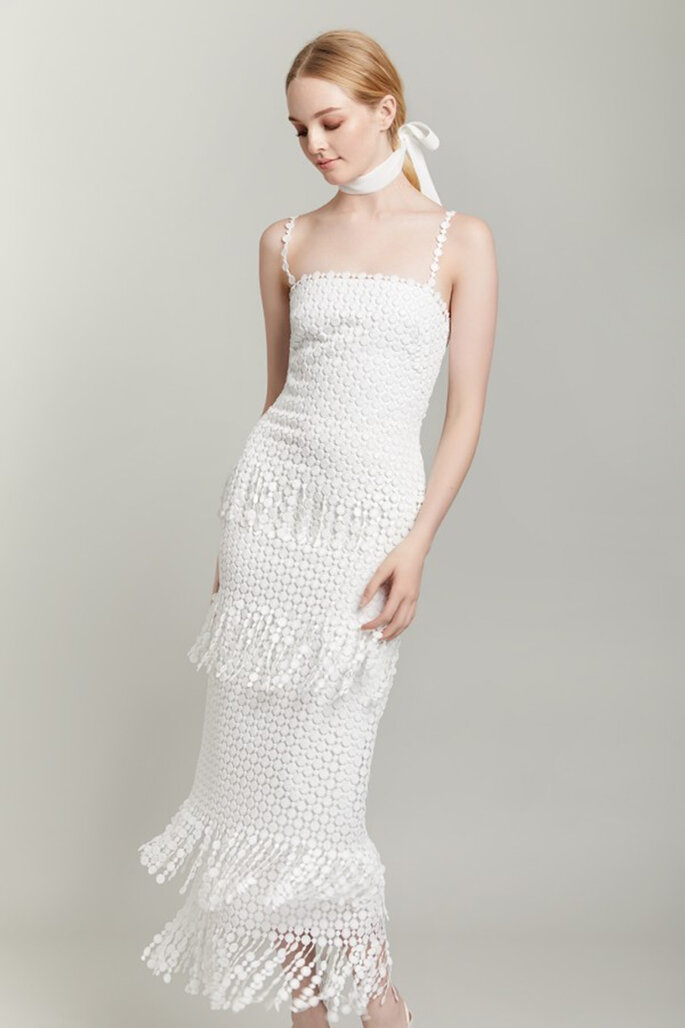 Vestido de novia escote cuadrado largo midi con flecos