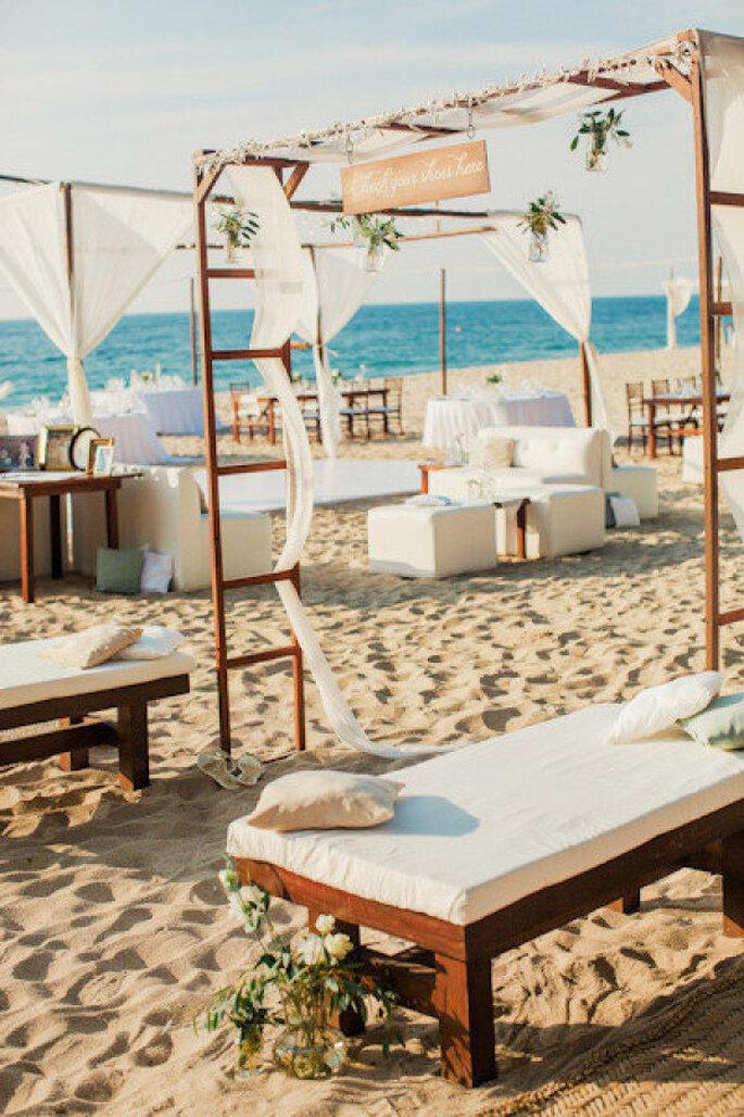 montaje para una boda en la playa - Amanda Wilcher Photographers