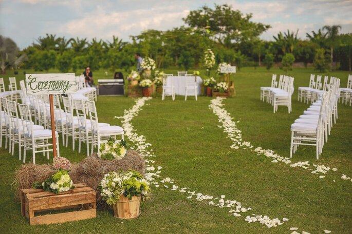 Floristeria alma floral una boda al estilo europeo pero for Decoracion boda campestre