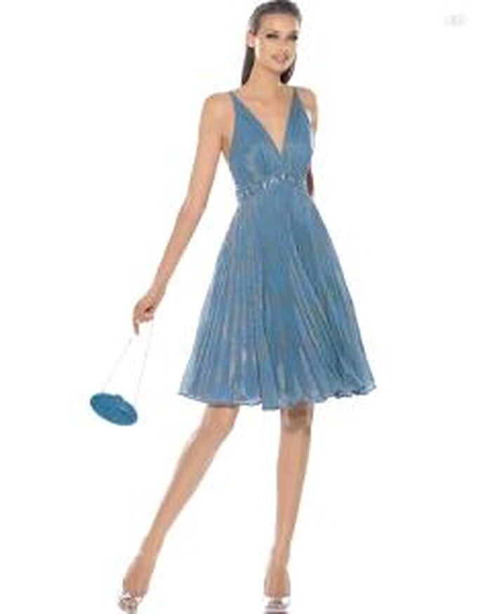 Pronovias Cocktail 2010 - Alfil, robe courte bleue, taille haute et décolleté en V
