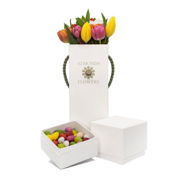 Almonds & Flowers, incontro tra dolcezza e anima green