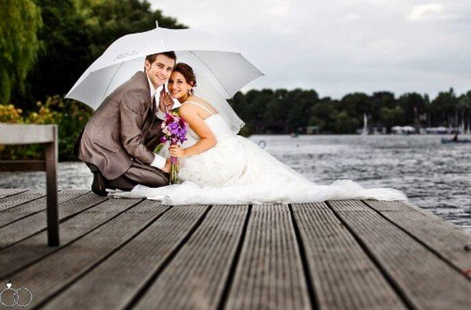 Hochzeitsfotos am Wasser. Foto: Katja Schünemann. ks-weddings.de